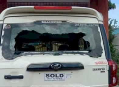 जगदलपुर विधायक की पहल पर स्कॉर्पियो में घूम-घूम कर गाड़ियों के कांच फोड़ने वाला सामने आगया चेहरा, नाम और निवास उसका जिसने जगदलपुर में कारों की कांच फोड़ी।