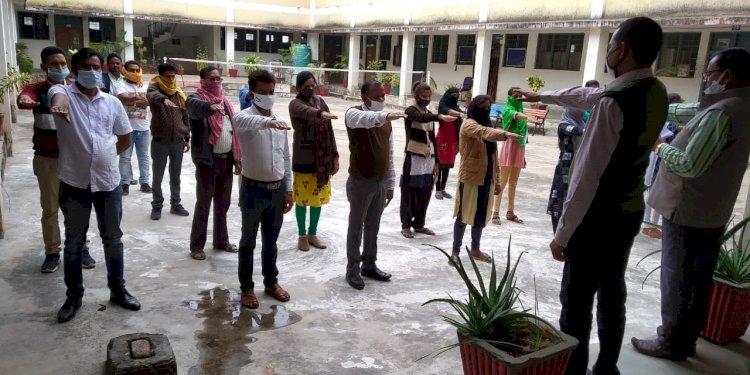 गुरुर कॉलेज में मनाया संविधान दिवस... आर के देवांगन के साथ ऋषभ पांडे की रिपोर्ट