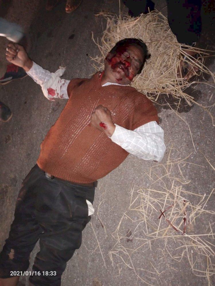 अर्जुंदा देवरी मार्ग में बड़ी दुर्घटना शर्मा ट्रेवल्स भरदा कला के मालिक अमरनाथ शर्मा गिरा हुआ पाया गया