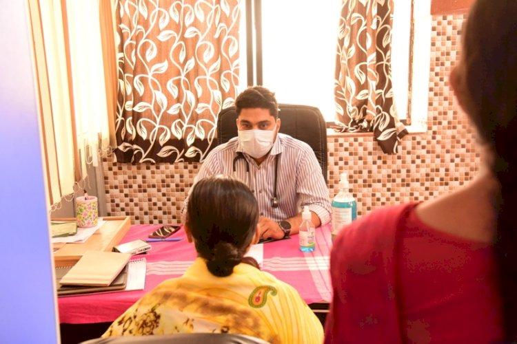 जिला प्रशासन के संवेदना कार्यक्रम के अंतर्गत मानसिक रोगियों का किया गया स्वास्थ्य परीक्षण CGNEWSPLUS-24