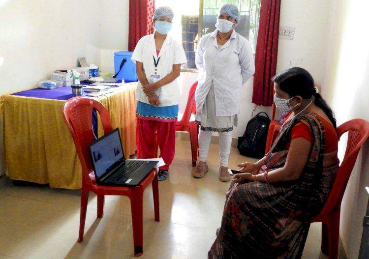 प्रभारी मंत्री  अमरजीत भगत की वर्चुअल उपस्थिति में अंत्योदय कार्डधारी हितग्राहियों का कोविड-19 का टीकाकरण हुआ शुरू