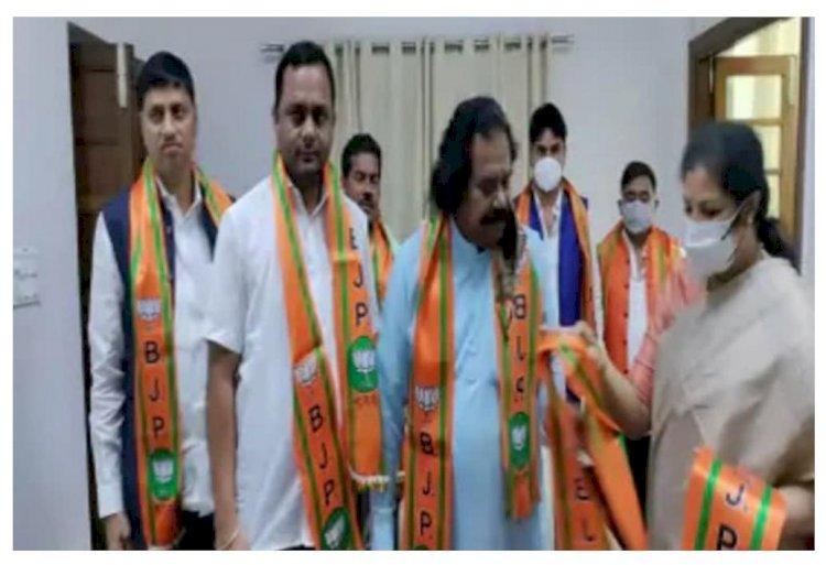 वेदराम मनहरे समेत 10 नेता भाजपा में शामिल, डी पुरंदेश्वरी ने दिल्ली में दिलाई सदस्यता कांग्रेस को बड़ा झटका