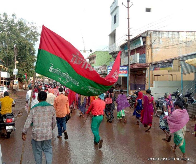 BREAKING शहीद शंकर गुहा नियोगी के पुण्यतिथि पर जनप्रतिनिधियों व व्यापारी संघ ने श्रद्धा सुमन अर्पित किया