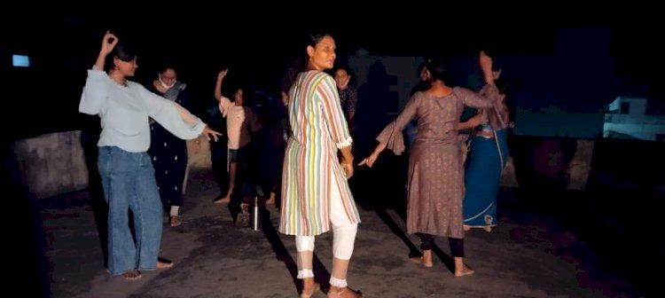 देश की लोक संस्कृति को सहेजने के लिए लोहारा में 2018 से हो रहा है गरबा का आयोजन, परंपरा ना टूटे इसलिए इस बार भी होगा आयोजन